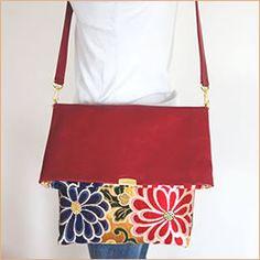 帯ショルダーバッグ Japan Bag, Japan Crafts, Kimono Fabric, Japanese Kimono, Small Bags, Wearable Art, Fabric Crafts, Couture, Pouch