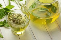 Experts say that green tea contains an antioxidant called epigallocatechin gallate (EGCG) that helps reduce hair fall and thus cures baldness. More facts in this article.