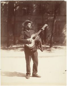 Eugène Atget | Joueur de Guitare | The Met