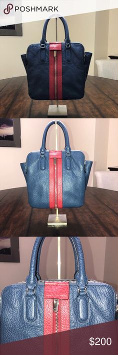 Marc by Marc Jacobs Purse AUTHENTIC leather handbag with zippered compartments. Marc By Marc Jacobs Bags