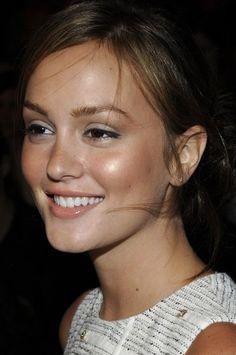 healthy glowing bronzed skin make-up-beauty