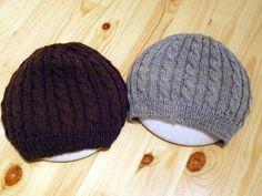 Voihan pimeä päivä ja valokuvaus. Kerrankin, kun olisi jotain muuta valmista kuin niitä samoja harmaita villasukkia, niin valokuvaaminen on ... Mittens, Headbands, Knitted Hats, Needlework, Knit Crochet, Diy And Crafts, Winter Hats, Knitting, Crocheting