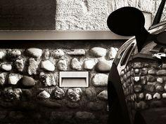 Concrete wall - Simes S.p.A. luce per l'architettura