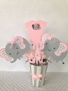 All information about Elephant Baby Shower Centerpieces Ideas. Pictures of Elephant Baby Shower Centerpieces Ideas and many more. Elephant Baby Shower Centerpieces, Girl Baby Shower Decorations, Baby Shower Themes, Baby Shower Gifts, Shower Ideas, Baby Decor, Shower Bebe, Girl Shower, Dibujos Baby Shower