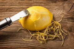 You've probably made a recipe or two that called for orange zest –meaning, the peel of the orange. How about a about lemon peel? Eating whole lemon helps to cut back on waste. Lemon Vitamin C, Baking Soda And Honey, Candied Lemon Peel, Lemon Uses, Dried Lemon, Juice Cleanses, Strong Drinks, Lose 15 Pounds, Alkaline Foods