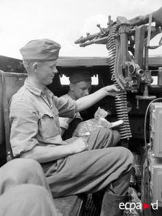 """Во время битвы на Курской дуге, экипаж Sd.kfz.250 бригады """"Великая Германия"""". Июль-август 1943"""