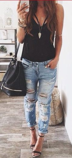 I'd love to find a comfy pair of bf jeans like this