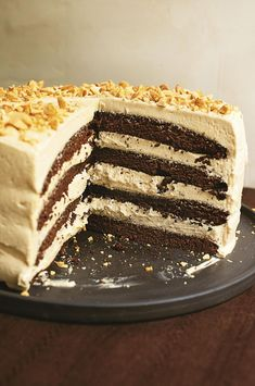 Nigella Lawson's Chocolate Peanut Butter Cake - The Happy Foodie Chocolate Peanuts, Chocolate Peanut Butter, Nigella Chocolate Cake, Chocolate Meringue, Vegan Gingerbread, Different Cakes, Cake Tins, Tiered Cakes, Sweet Recipes
