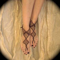 Tatted sandales aux pieds nus - diamants de Lizzy en sépia