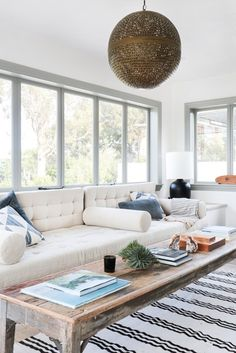 Start by collecting your favorite living room design ideas to recognize all the styles that you will bring into space. the choice of Farmhouse living room design is perfect for your home. Farmhouse living room will look comfortable and casual. Coastal Living Rooms, Home Decor Trends, Home And Living, Interior Design, House Interior, Living Room Inspiration, Trending Decor, Home, Interior