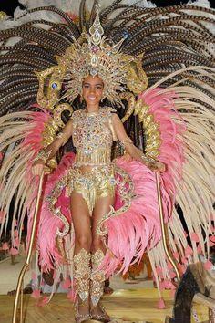 Showgirl Costume, Beautiful Costumes, Carnival Costumes, Showgirls, Festival Outfits, Samba, Elegant, Costume Ideas, Womens Fashion