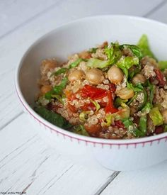 Salát z quinoy s pečenými rajčaty a quinou Quinoa, Fried Rice, Sprouts, Potato Salad, Fries, Potatoes, Snacks, Vegetables, Ethnic Recipes