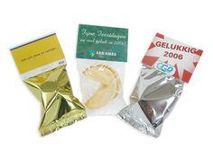 Galletas de la suerte con topcard personalizado. Un galleta promocional que te da muchas posibilidades para poner tu publicidad. www.regalos-publicidad.es