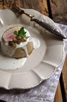 Sformatini di funghi e scalogni con crema al gorgonzola