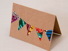 african fabric - make a bunting Fabric Cards, Fabric Postcards, African Room, African Christmas, African Crafts, Fabric Bunting, Dyi, African Fabric, Printing On Fabric
