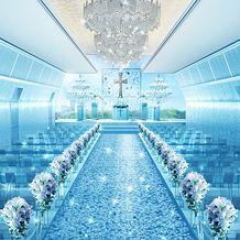 クラブローゼス東京:美しい煌めきが包み込む…。表参道で人気のクリスタルチャペルがリニューアルオープン