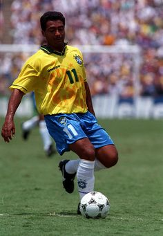 Romário was born on January 1966 in Rio de Janeiro, Brazil as Romário de Souza Faria. He has been married to Isabella Bittencourt since They have two children. He was previously married to Danielle Favato and Mônica Santoro Brazil Football Team, Football Icon, Best Football Players, Retro Football, Football Jerseys, Marcelo Real, Samba, Roberto Baggio, Paolo Maldini