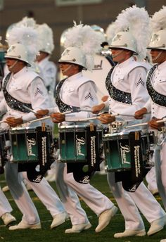 Drum Corps 2007 | pchagnon images #Teagardins #SmokeShop 8531 Santa Monica Blvd West Hollywood, CA 90069 - Call or stop by anytime. UPDATE: Now ANYONE can call our Drug and Drama Helpline Free at 310-855-9168. Teagardins.com Marching Snare Drum, Marching Music, Santa Monica Blvd, Drum Corps International, Drumline, Youth Activities, Color Guard, Percussion, West Hollywood