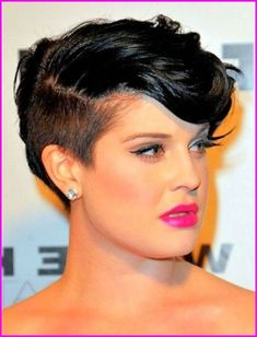 There are few better resources for round features than Kelly Osbourne hairstyles for women with fat face. This celebrity is always open to new things and is constantly reinventing her look. For those hunting for the most flattering cut for their. Pixie Haircut For Thick Hair, Short Hairstyles For Thick Hair, Haircuts For Fine Hair, Short Pixie Haircuts, Short Hair Cuts For Women, Curly Haircuts, Short Hair For Round Face Plus Size, Fat Face Short Hair, Asymmetrical Hairstyles