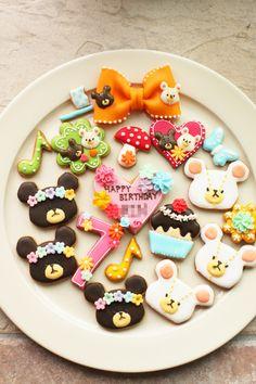 Too cute to eat! Bear Cookies, Galletas Cookies, Biscuit Cookies, Cute Cookies, Cupcakes, Cupcake Cookies, Japanese Cookies, Japanese Sweets, Pink Sweets