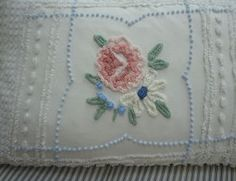 Chenille DOWN Pillow Vintage Bedspread Fabric French White Cottage Pink Flower Shabby Chic 16x24 Insert