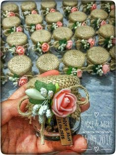 Order memory # mertuğçe # order taken, Wedding Gifts For Guests, Diy Wedding Favors, Wedding Decorations, Deco Champetre, Decorated Jars, Wedding Candy, Bottle Crafts, Paper Flowers, Diy Gifts