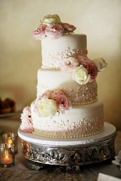 #Vintage Wedding Cake ... Wedding ideas for brides & grooms, bridesmaids & groomsmen, parents & planners ... itunes.apple.com/... The Gold Wedding Planner iPhone App ♥