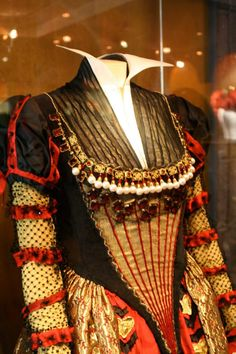 Gown worn by Helena Bonham Carter as the Red Queen in Alice in Wonderland. Costumes by Colleen Atwood. FIDMmuseum