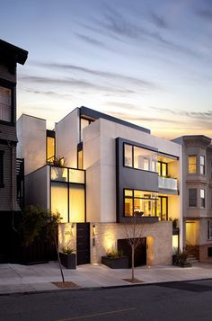 Another exterior angle of the Russian Hill #modern #exterior by John Maniscalco #Architecture