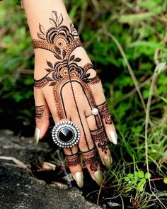 Latest Arabic Mehndi Designs, Mehndi Designs For Girls, Unique Mehndi Designs, Wedding Mehndi Designs, Beautiful Henna Designs, Mehndi Designs For Fingers, Mehandi Designs, Henna Mehndi, Hand Henna