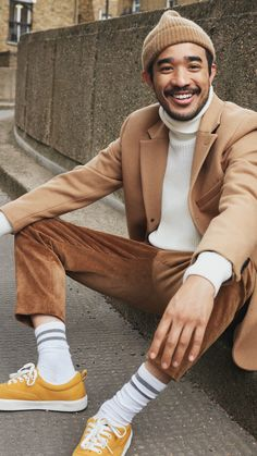 The latest men's fashion including the best basics, classics, stylish eveningwear and casual street style looks. Shop men's clothing for every occasion onli Stylish Mens Fashion, Latest Mens Fashion, Trending Fashion, Stylish Suit, Fashionable Outfits, Look Street Style, Casual Street Style, Look Man, Winter Fashion Outfits