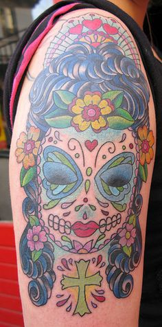 another sugar skull tattoo....gorgeous detailing!