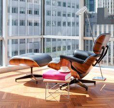 A Poltrona Charles Eames é a peça de mobiliário que fará toda a diferença na decoração de qualquer interior. Criada há mais de cinquenta anos, a cadeira é