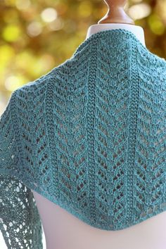 True Blue Shawlette free pattern, Balls to the Wall Blogger