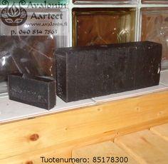 Osmia's handmade Peat soap / Osmian käsinvalmistettu Turve saippua.