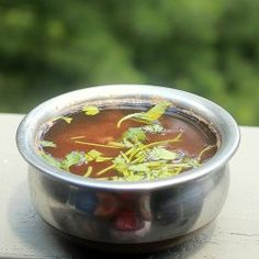 Hot Piping Tamarind Soup Recipe - Easy and flavorful , South-Indian Rasam Recipe Tamarind Sauce, Spicy Soup, Tamarind Rasam, South Indian Rasam Recipe, Indian Food Recipes, Real Food Recipes, Thai Recipes, Can Of Soup, Soups