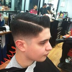 50's hairstyle. That's a good fucking haircut.