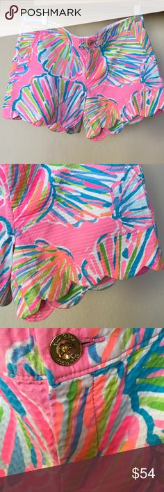 """LILLY PULITZER Scalloped EDGE BUTTERCUP SHORTS 10 lightly textured pastel pink, green, blue, white, peach,orange BUTTERCUP shorts. LIlly makes getting dressed fun... her motto is it's always summer somewhere... Zip front side Pockets back slash pockets..10....35"""" fully around waistband ..91/2"""" RISE...12 3/4""""  T- B Lilly Pulitzer Shorts"""