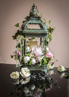 Some lanterns some cases covered with twigs. Or lanterns for bridal party instead of bouquets Lantern Centerpiece Wedding, Wedding Lanterns, Lanterns Decor, Floral Centerpieces, Wedding Centerpieces, Floral Arrangements, Wedding Decorations, Flower Arrangement, Decorating With Lanterns