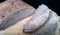 Sauerteigbrot mit Saaten und Walnüssen
