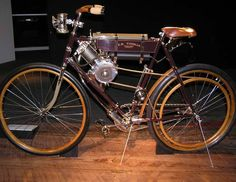 1900 Thomas motorcycle - 1.8 hp, top speed 25 mph.