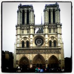 Notre Dame Cathedral by Maurice de Sully architect, at Paris, France, 1163 to architecture in the Great Buildings Online. Places To Travel, Places To Go, Castle Ruins, Maurice, Gothic Architecture, Sully, Paris Travel, Cathedral, Europe