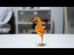 Caballito de Mar de papel - Origami Seahorse - YouTube Origami And Kirigami, Oragami, Seahorse Crafts, Crafts To Do, Paper Crafts, Origami Tutorial, I Tattoo, Most Beautiful Pictures, Creations