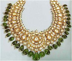 Latest trends in Indian Bridal Jewelry - Kundan/Polki Jewelry Royal Jewelry, India Jewelry, Silver Jewelry, Pakistani Jewelry, Indian Wedding Jewelry, Indian Bridal, Bridal Jewellery, Princesa India, Gold Jewellery Design