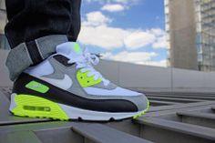"""NIKE AIR MAX 90 OG """"REVERSE INFRARED"""" : Sneaker Steal"""
