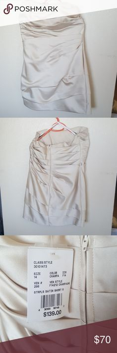 Davids Bridal strapless dress Bridesmaid dreaa with ruching, dress worn once, slight signs of wear buy no permanent staining just a lil make-up. David's Bridal Dresses Mini