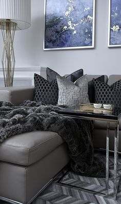 Luxury Living Archives - Page 4 of 10 - Luxury Decor Silver Living Room, Living Room Grey, Home And Living, Charcoal Sofa Living Room, Small Living, Luxury Homes Interior, Luxury Home Decor, Home Interior Design, Contemporary Interior