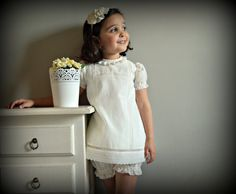 CUSTOM BOUTIQUE. DESIGN YOUR OWN OUTFIT. Clothing for babies and children. Completely handmade in Spain with European material. We recommend read this listing entirely for know how do your order correctly.  THE PRICE INCLUDES DRESS + BLOOMER.  ---------- SIZES. Option TODDLER (It includes sizes: 1T, 2T, 3T (or Years)). Option GIRL (It includes sizes: 4, 5, 6 (or Years)). For bigger sizes, send us a message. !!!!! The dress could be adapted to the size to your girl ( NO MATTER HER AGE.¡¡¡¡)…