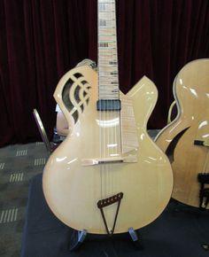 19_PG_GALL_SB_Latain-Guitars_WEB.jpg