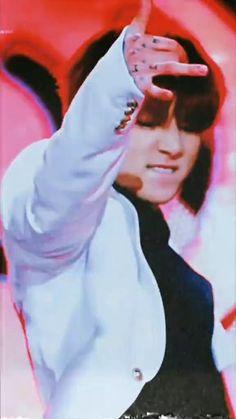 Foto Jungkook, Jungkook Songs, Jeon Jungkook Hot, Bts Aegyo, Kookie Bts, Jungkook Abs, Kim Taehyung Funny, Bts Taehyung, Jessi Kpop